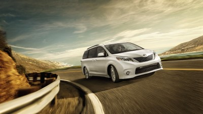 2017 Toyota Sienna Performance (Custom)