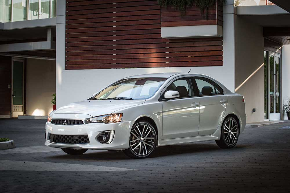 2017 Mitsubishi Lancer reviews