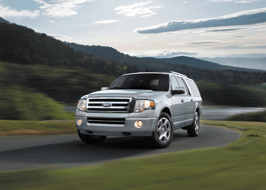 2014 Ford Expedition driving