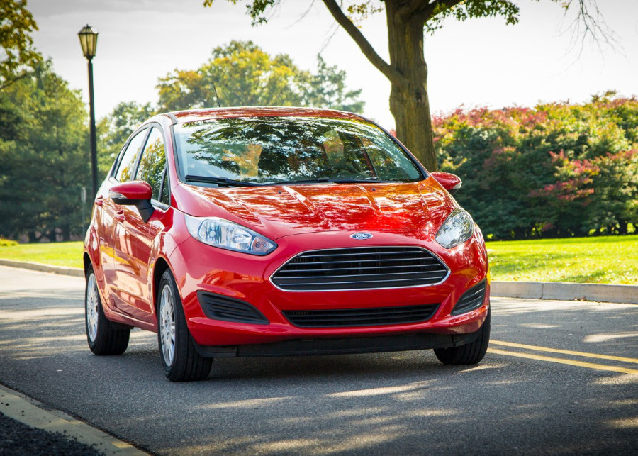 2014 Ford Fiesta red
