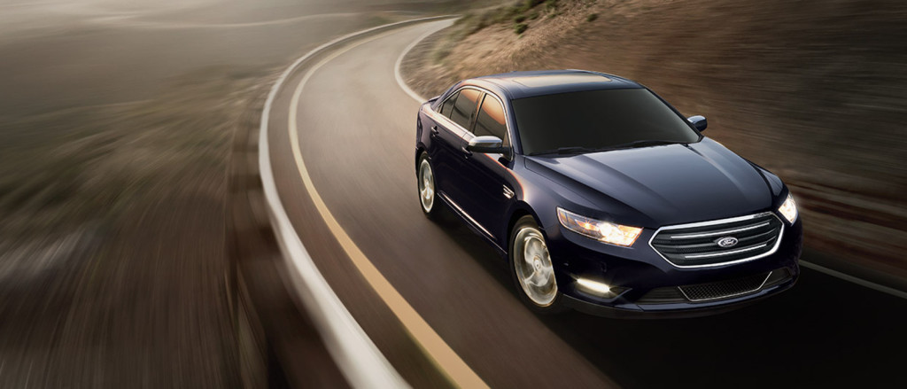 2015 Ford Taurus highway