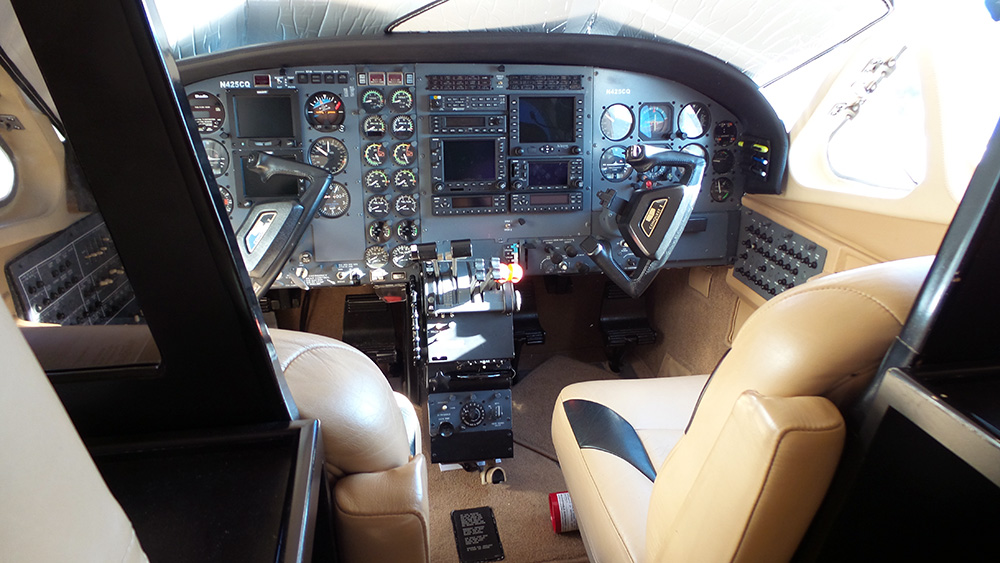 Carriage - Cessna Cockpit