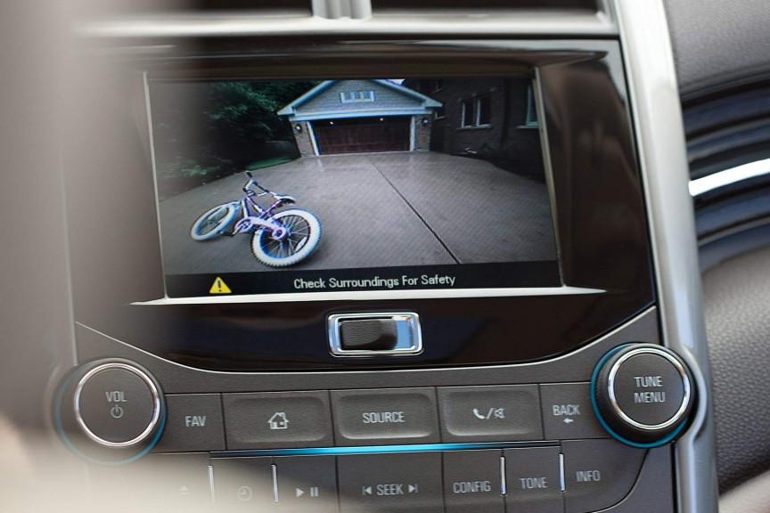 2015 Malibu Safety Rear Camera