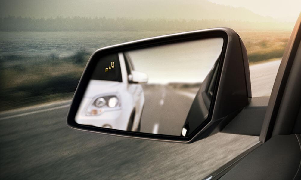 2017 Chevrolet Traverse side mirror
