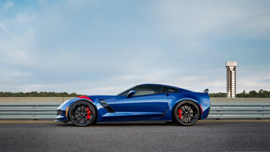 2017-chevy-corvette-grand-sport-blue-profile