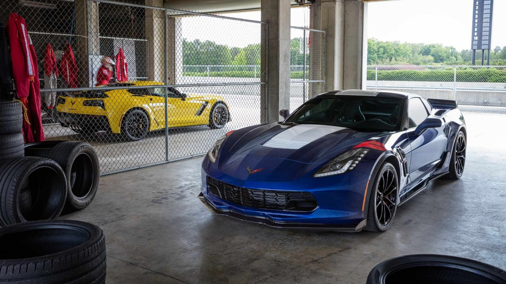 2017-chevy-corvette-grand-sport-blue