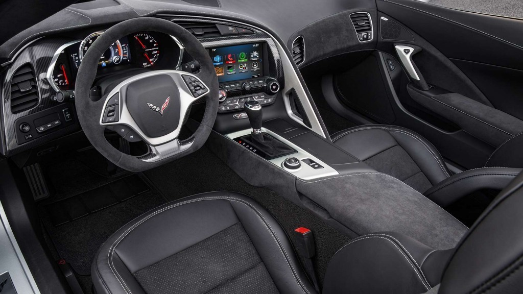 2017-chevy-corvette-stingray-front-interior