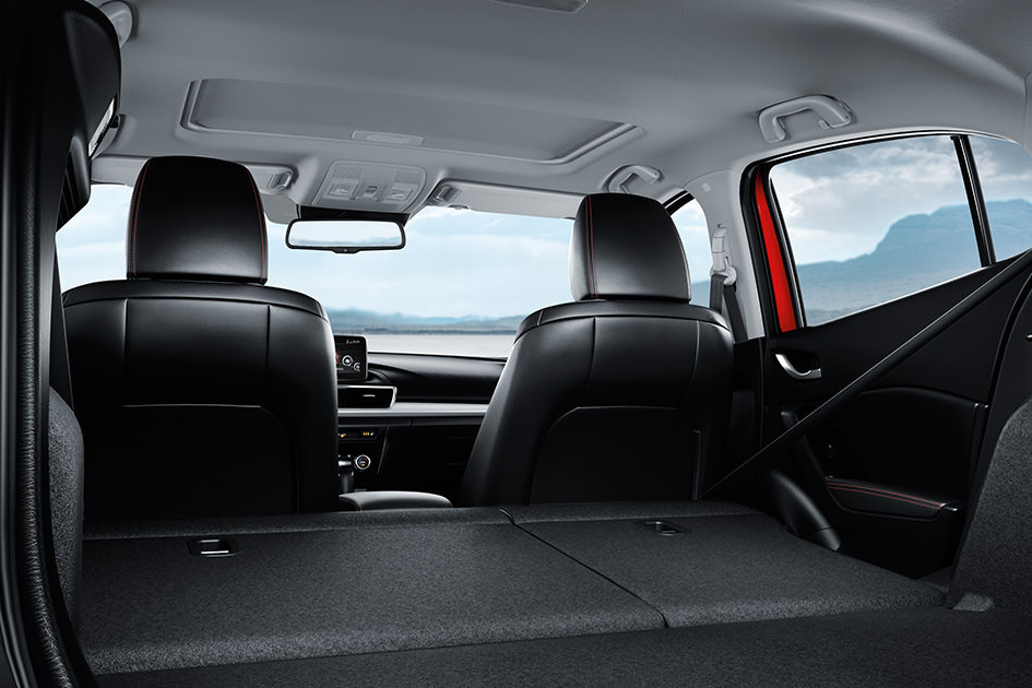 2016 mazda3 model info mpg specs trims interior - Mazda 3 hatchback interior dimensions ...