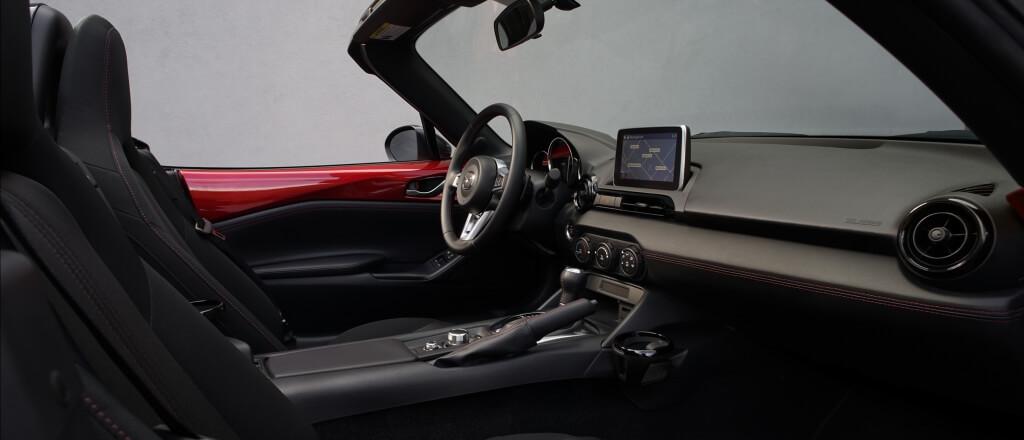 2016 Mazda MX-5 Miata cabin
