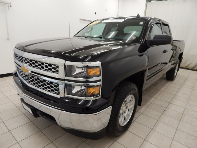 used car spotlight 2014 chevy silverado 1500 lt 4wd. Black Bedroom Furniture Sets. Home Design Ideas