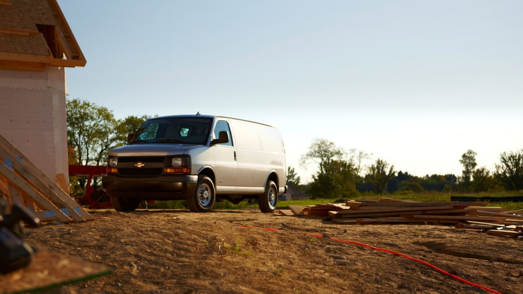2015 Chevy Express 3500 Exterior
