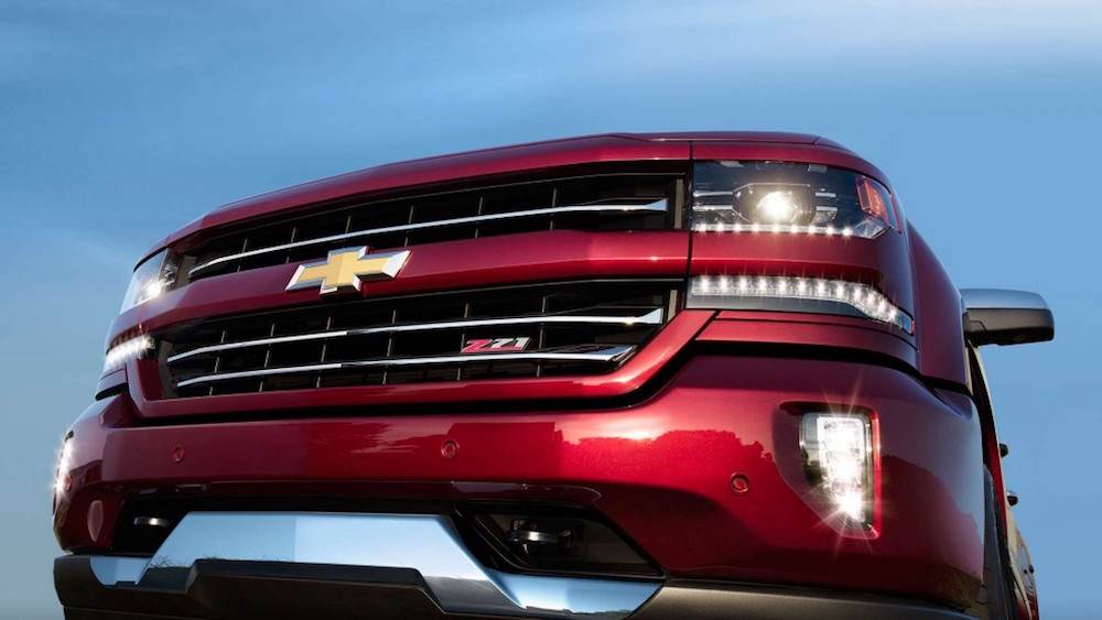 A Chevy Face Off The 2016 Colorado Vs The 2016 Silverado 1500