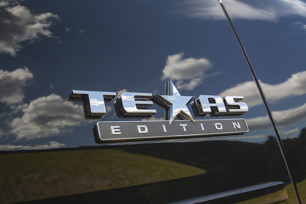 2015 Chevrolet Suburban Texas Edition badge