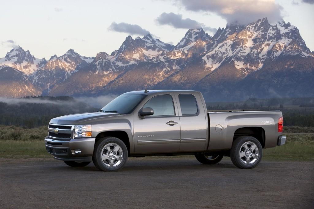 2011-Chevrolet-Silverado-Image-01