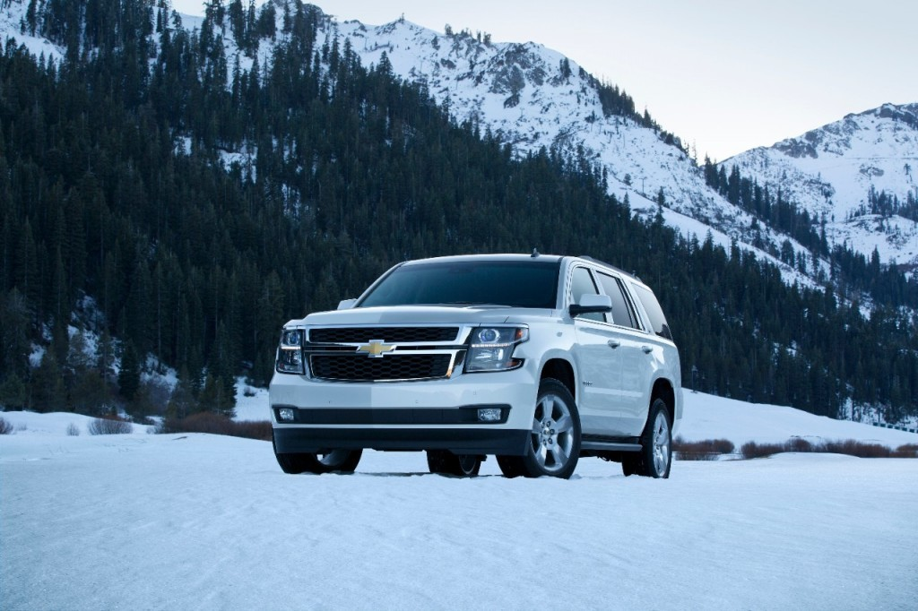 2015-Chevrolet-Tahoe-winter-mountains-1024x682