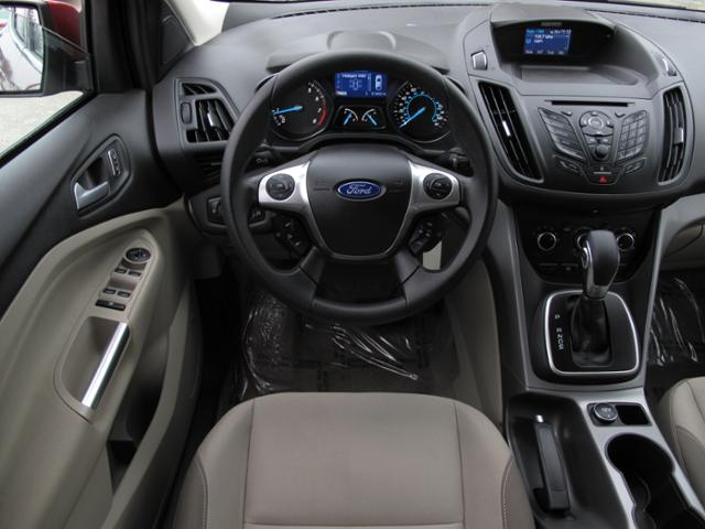 High Quality Interior Features In The 2013 Ford Escape