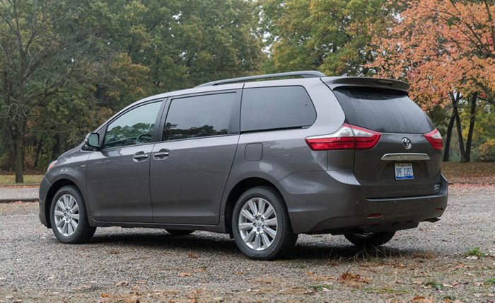 2017-Toyota-Sienna-Limited-AWD-Garber2