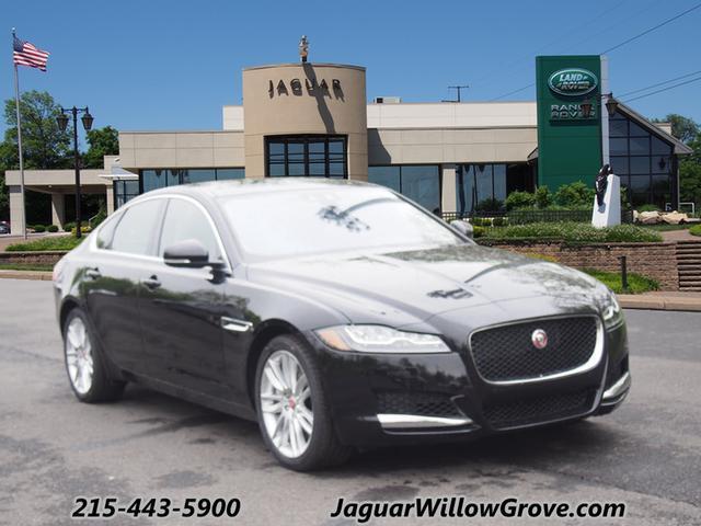 2016 Jaguar XF Prestige
