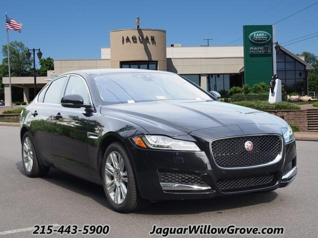 2016 Jaguar XF Premium RWD