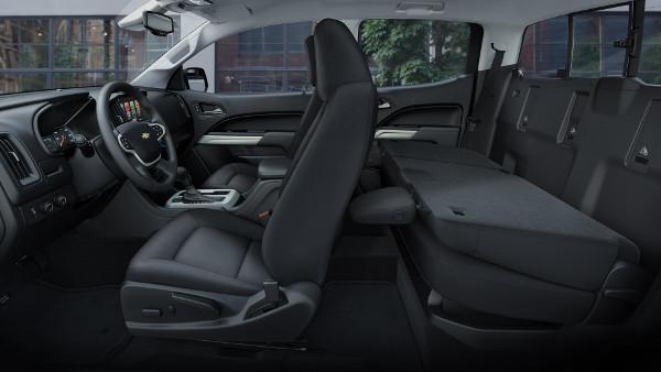 2017 Toyota Tacoma: Interior U0026 Exterior