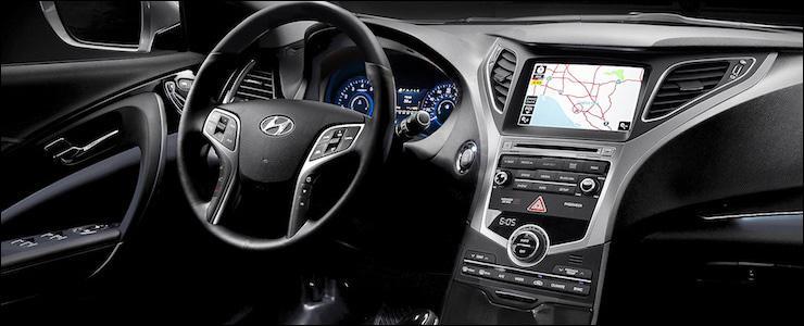 2016_Hyundai_Azera