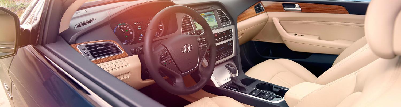 2017 Hyundai Sonata Hybrid interior