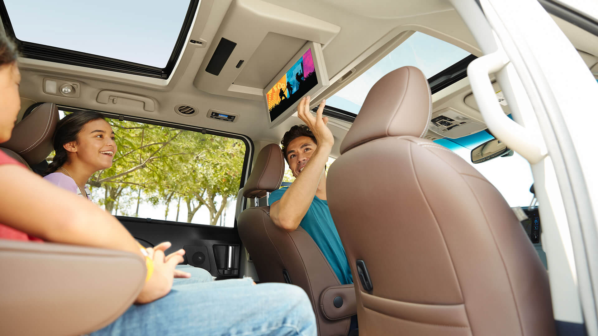 2017 Toyota Sienna Screens