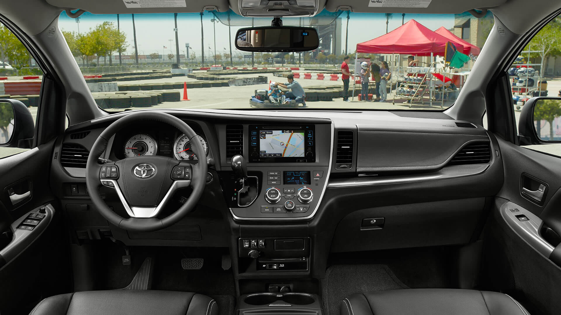 2017 Toyota Sienna Dash