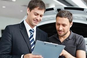 Man-buying-a-car